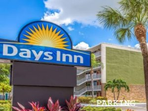 DAYS-INN-HOTEL-PARKING